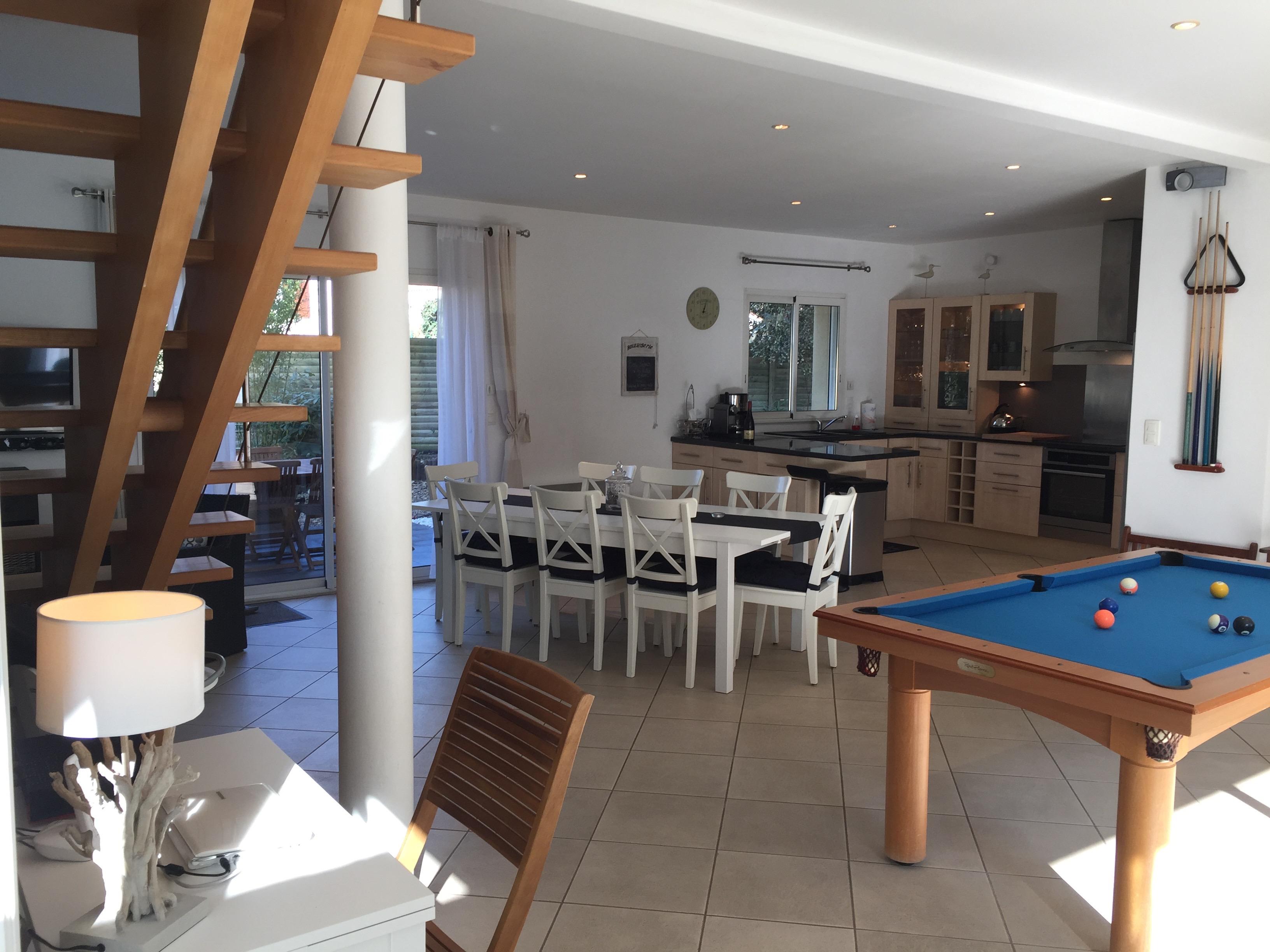 Location villa avec piscine int rieure en vend e for Location maison avec piscine vendee