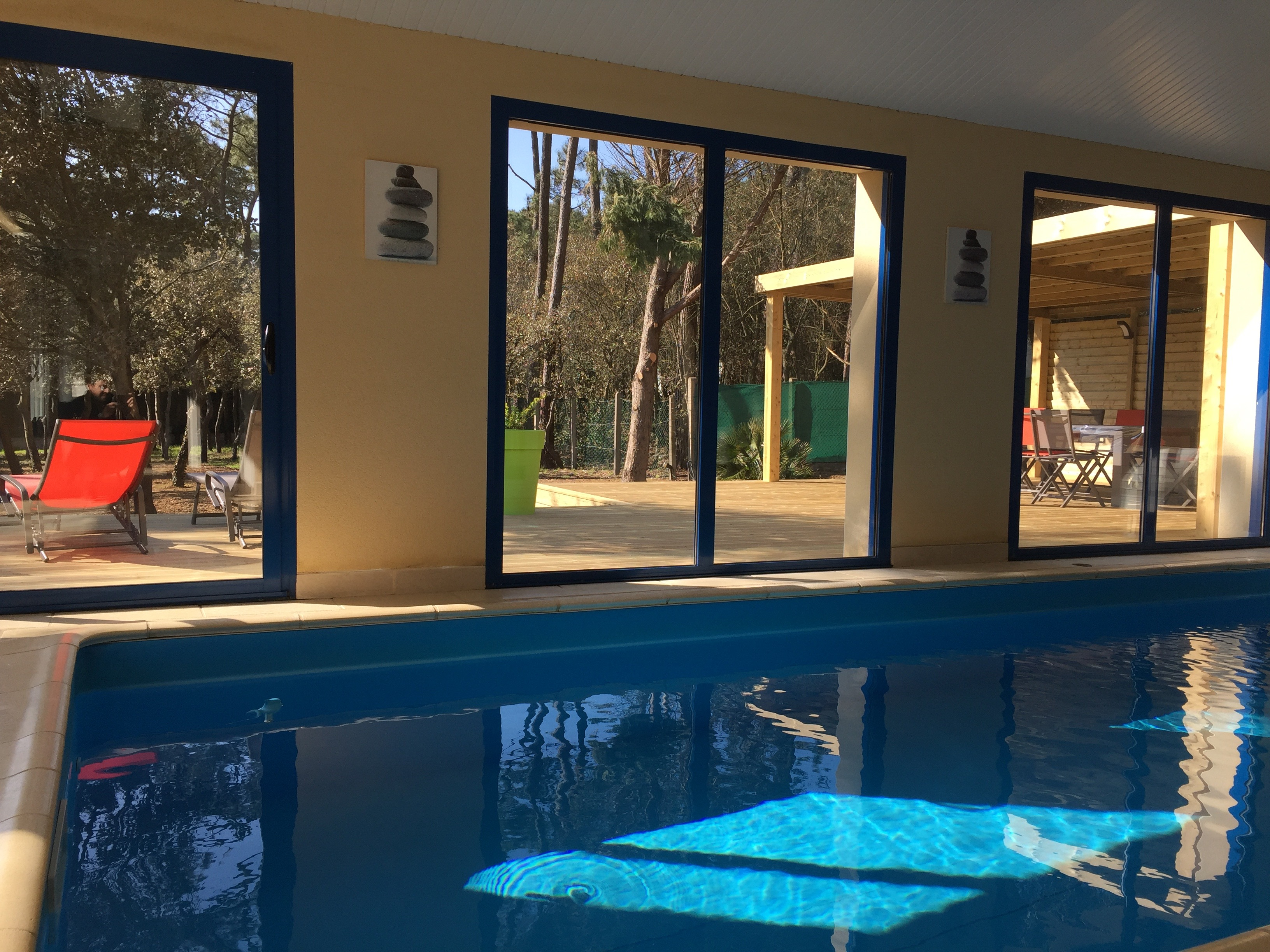 Location villa avec piscine int rieure en vend e - Villa bretagne piscine interieure ...