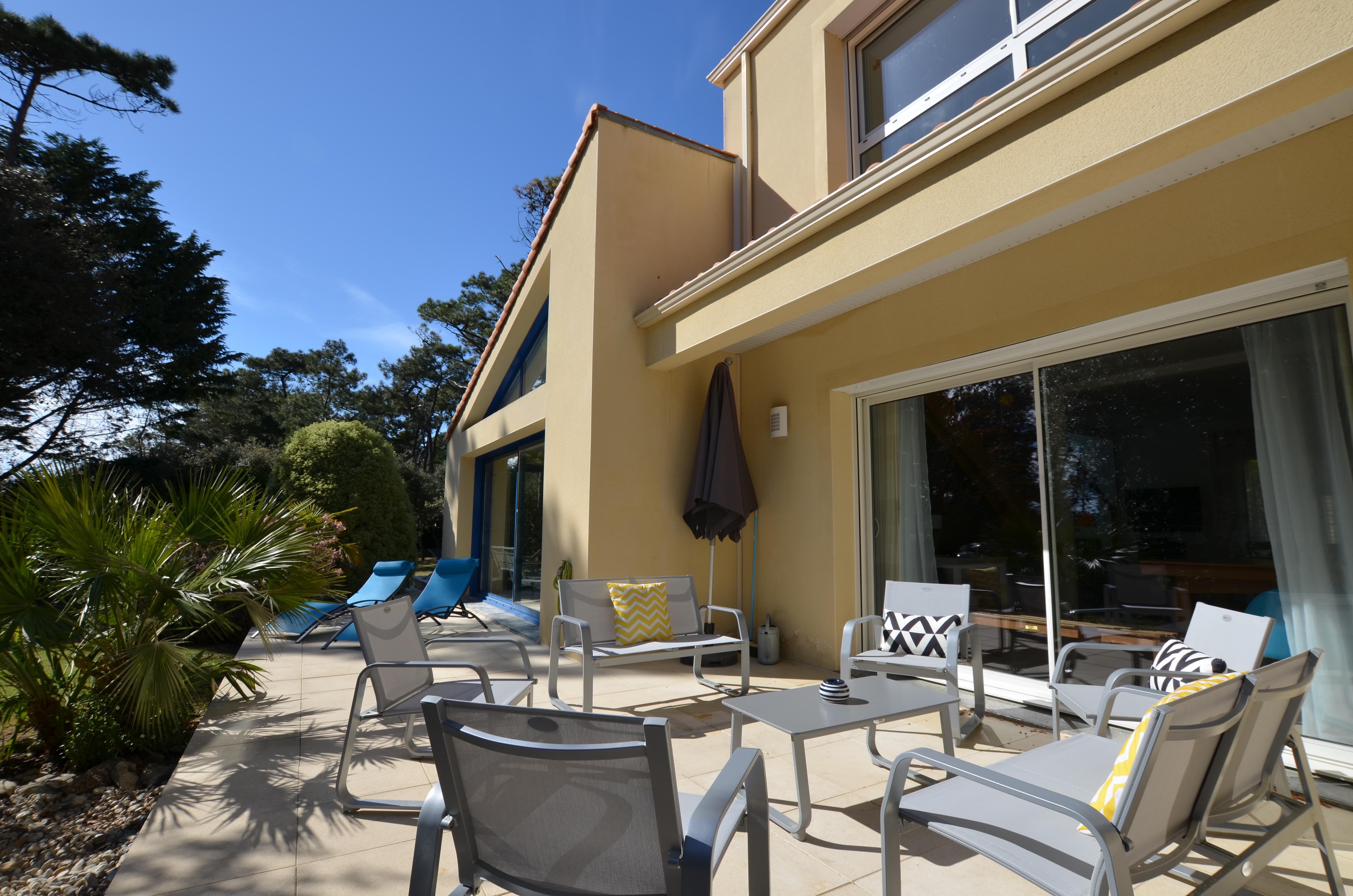Terrasse Villa Eden Gite piscine intérieure
