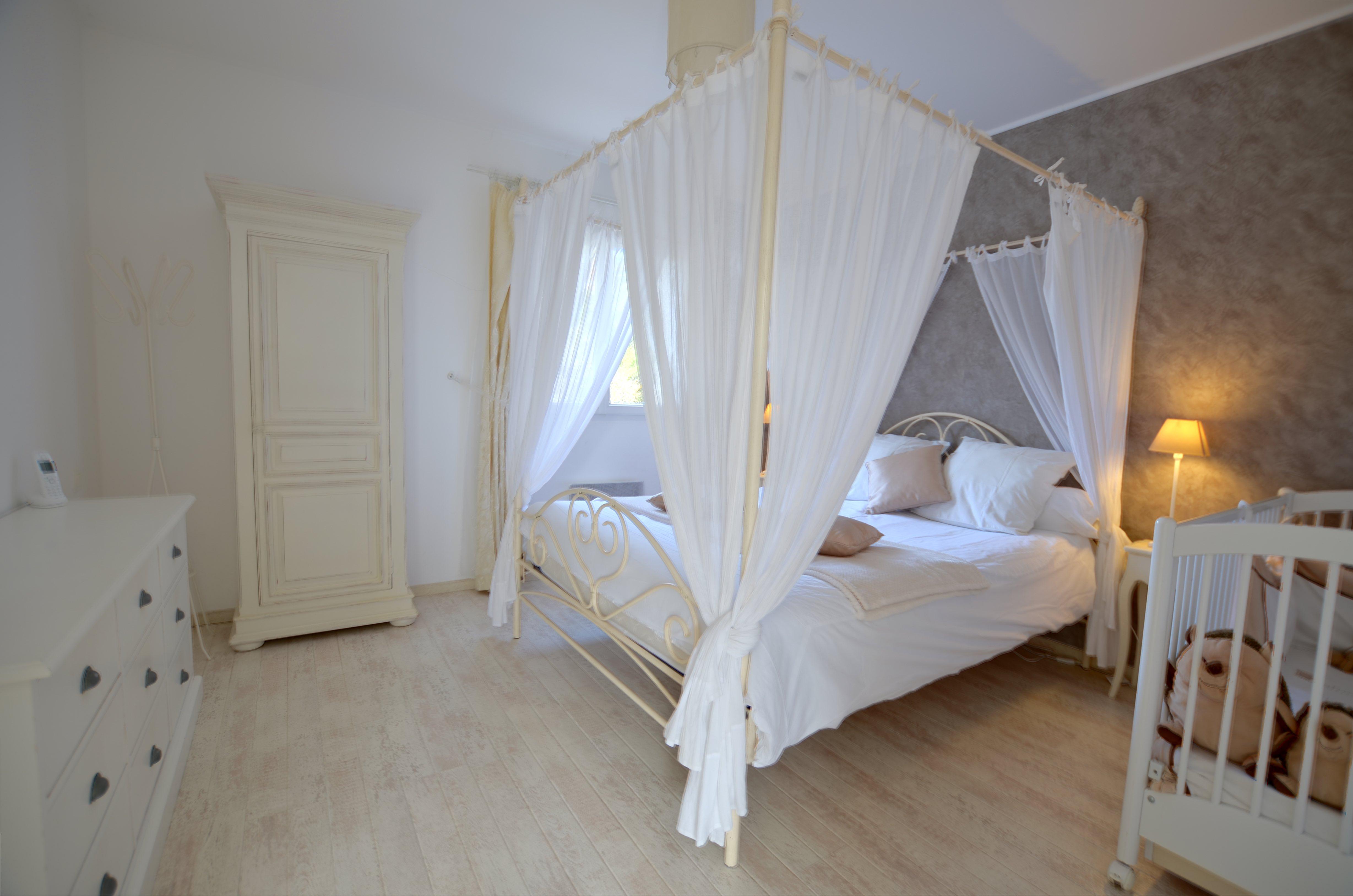 chambre romatique Villa Eden Gite piscine interieure de luxe
