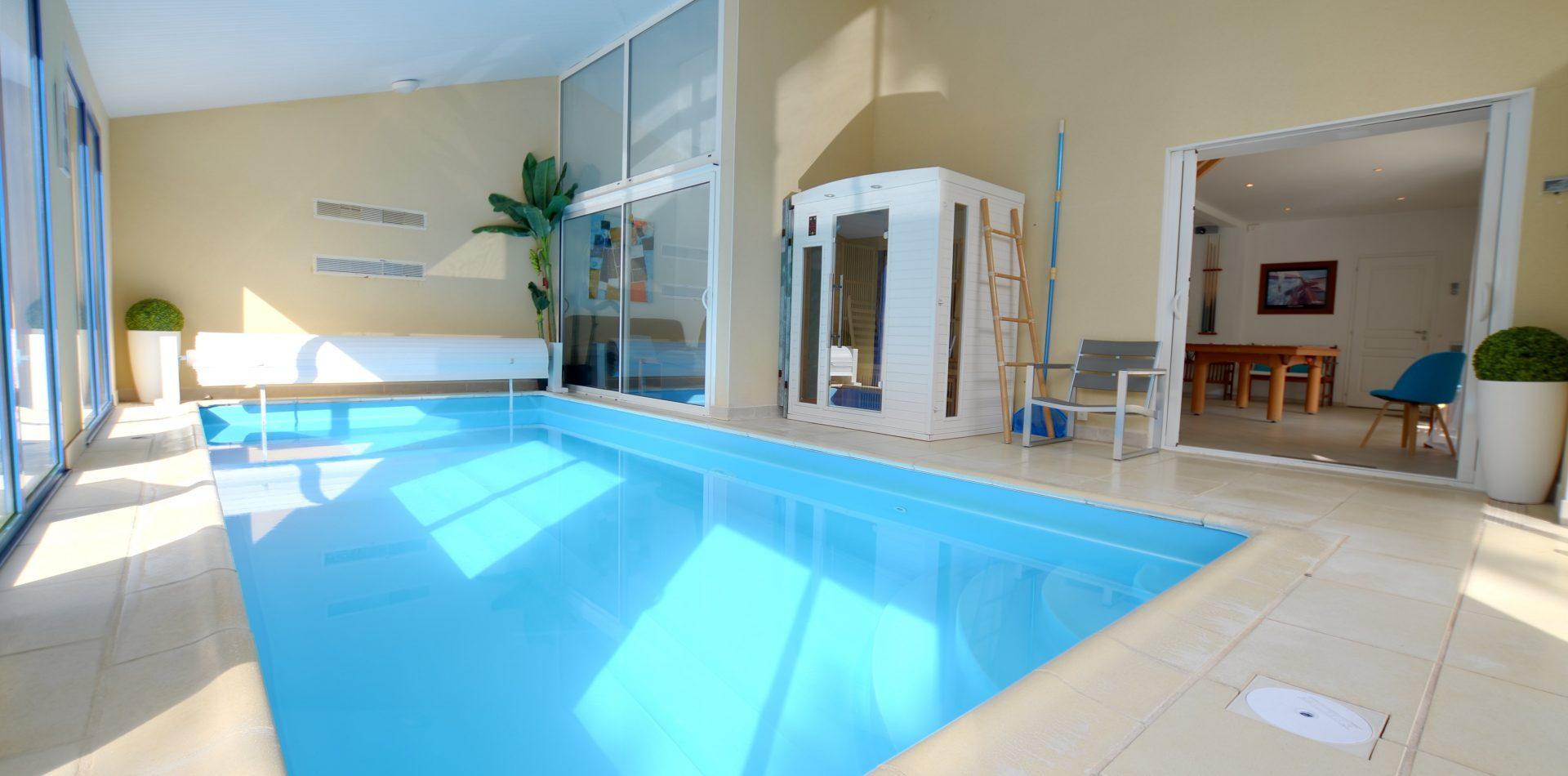 Piscine de la Villa Eden Gite de Luxe avec piscine intérieure en Vendée